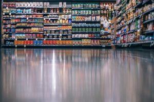 מדפים לחנויות מזון