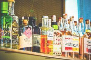 מדפים לחנויות משקאות